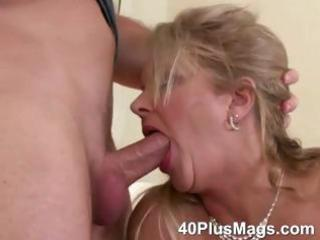 mature mouth and kitty banging skills