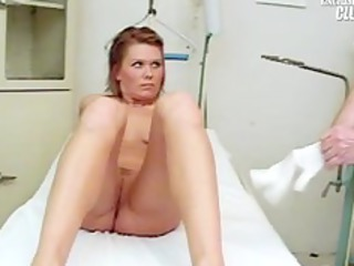 janelle young mom having her cave gyno speculum