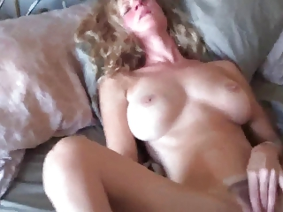 awesome  lady masturbate.. extremely awesome