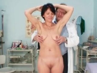 thin mature babe weird vagina fisting by gyno
