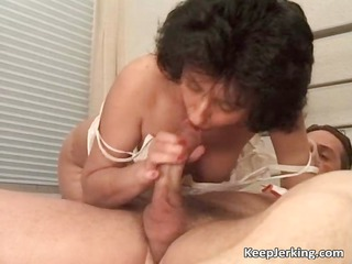 grownup brunette whore takes hairy pussy