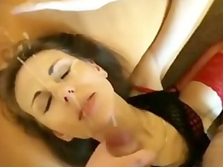 pals woman obtaining large facial and wipes it
