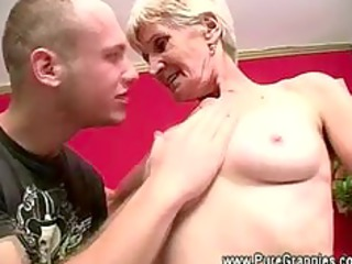 old takes off false teeth during dick sucking