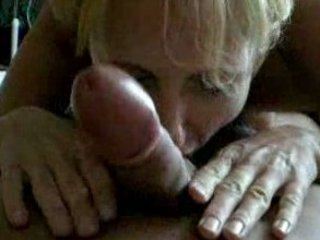woman giving a pretty cock sucking with hot result