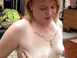 sweet heavy woman gives a awesome cock sucking