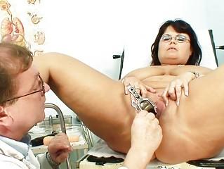 plump brunette elderly takes her cave examined