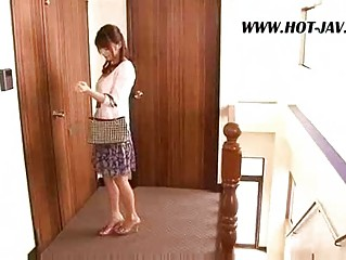 eastern  lady gangbangs the repair male