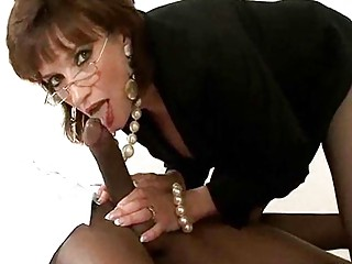 cougar bitch into glasses and pearls has some
