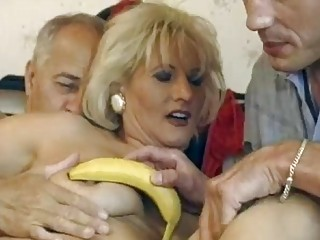 German mature whore gets double fucked