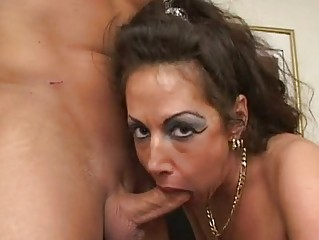 hor woman anjelica lauren munches a huge libido