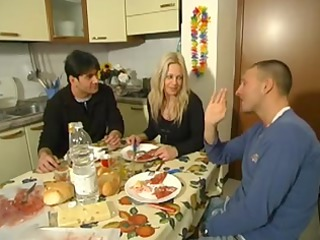 italien mother id enjoy to gang bang