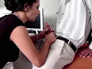 white mother id enjoy to copulate takes her cunt
