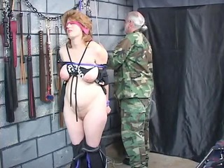 thick brunette bdsm slave obtains ropes around