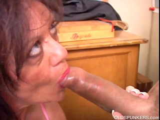 sexy grown-up chick gives a cock sucking lesson