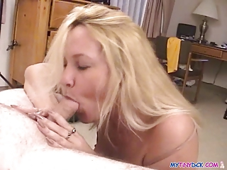 bleached lady goes mad on a libido
